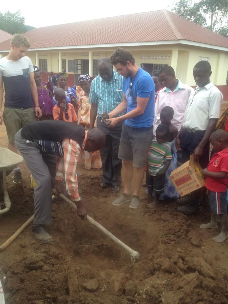 Uganda-2016 Baumpflanzen